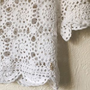 Juicy Couture pretty scalloped knit crochet top